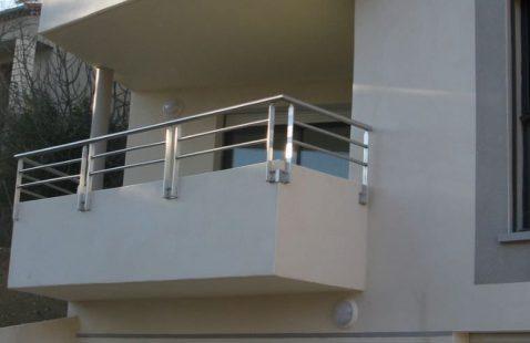 Всё об уходе за балконными ограждениями