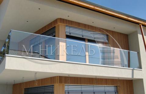 Ограждения балконов из стекла в Махачкале